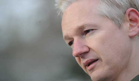 Assange is trapped, the U.S. is in decline - exclusive interview with Assange's lawyer